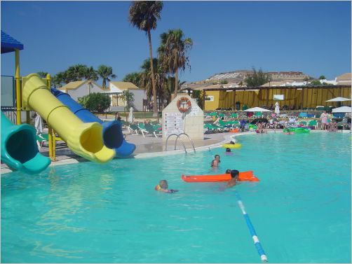 Fuerteventura family holidays for Family holiday cottages with swimming pool